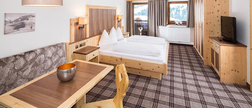Hotel Post, Alpebach, Austria - bedroom suite.jpg